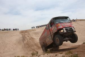 Extreme Dakar is lead by the weather, the teams move to Salta